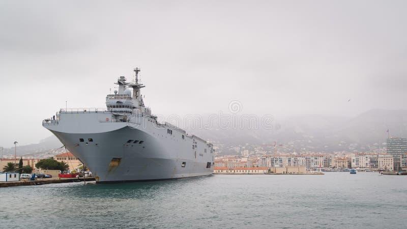 Fransk bärare för helikopter för marinmistralgrupp royaltyfria foton