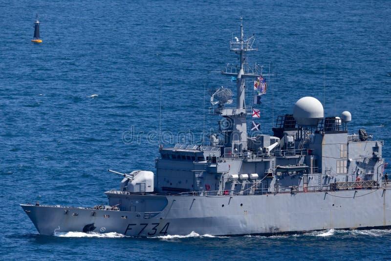 Fransk marinMarine Nationale fregatt FNS Vendemiaire F734 som avg?r Sydney Harbor arkivfoto