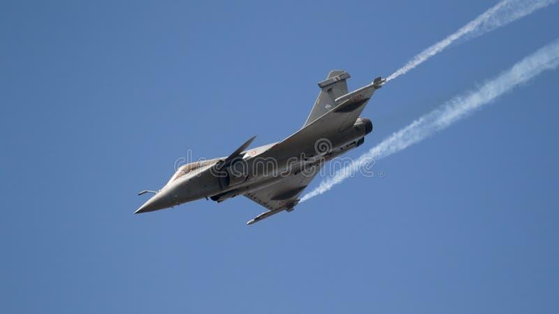 Fransk nivå för flygvapenRafale kämpe arkivfoto
