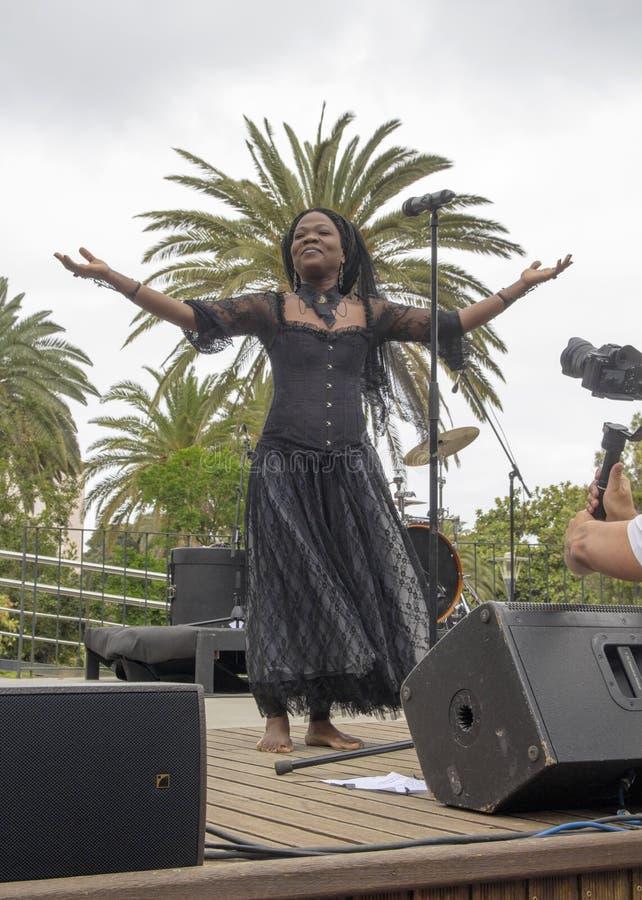 Franska-haitier sångare Moonlight Benjamin arkivfoto