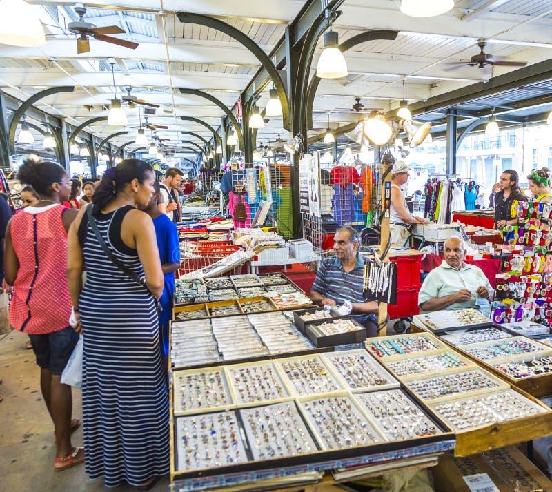 Franskamarknad på den Decatur gatan i New Orleans arkivbild