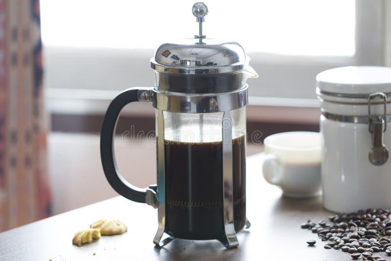 Franskapresskaffebryggare royaltyfri bild