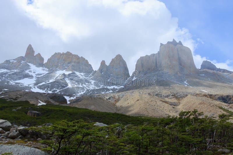 Franskt dallandskap, Torres del Paine, Chile royaltyfri fotografi