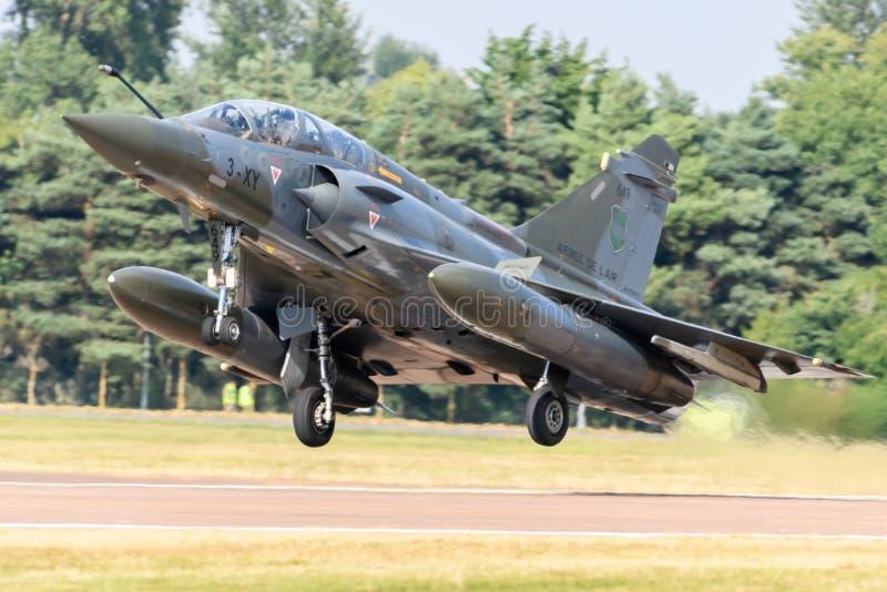 Franskt flygplan 2000 för flygvapenDassault hägring royaltyfri bild