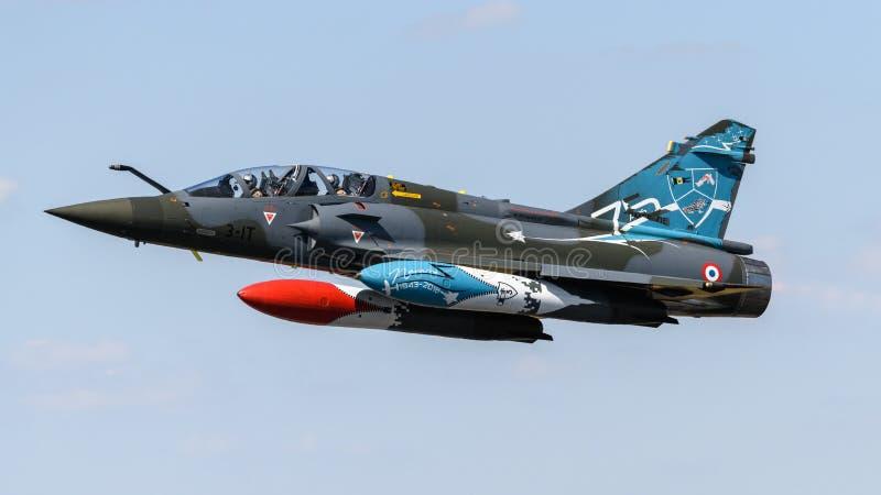 Franskt flygplan 2000 för flygvapenDassault hägring arkivbild