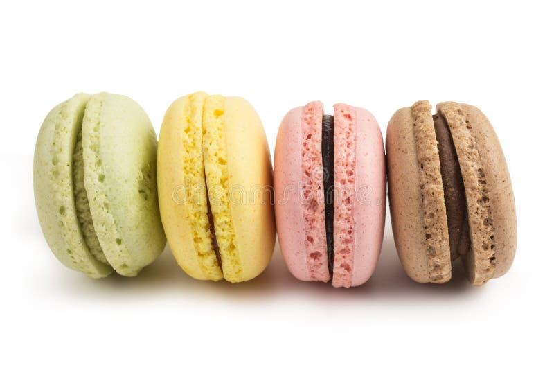Französische macarons in den Pastellfarben lizenzfreie stockfotos