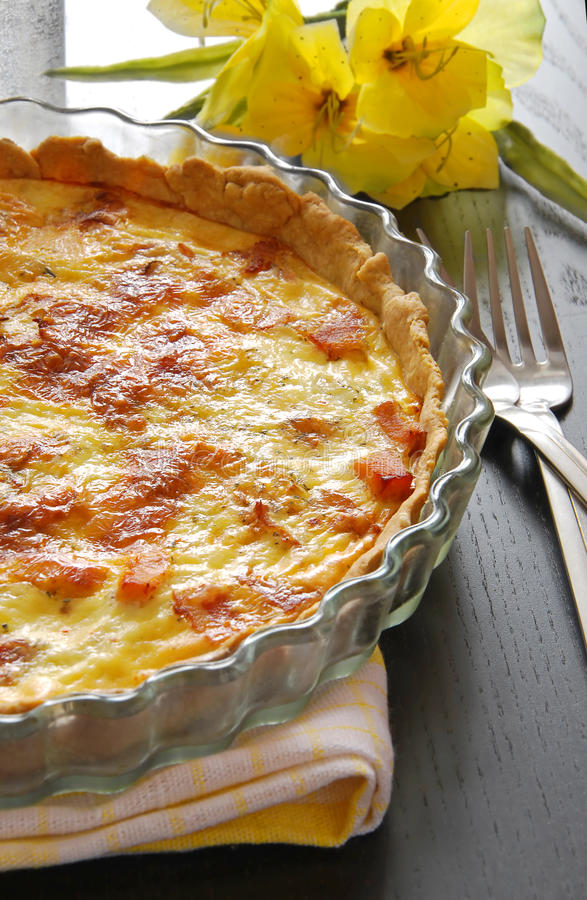 Französische Torte, Quiche Lothringen lizenzfreie stockfotos