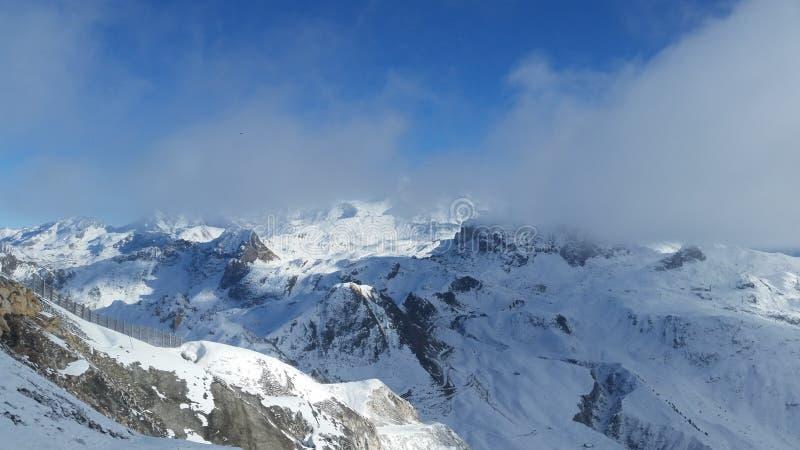 französischer Alpengebirgszug lizenzfreies stockbild