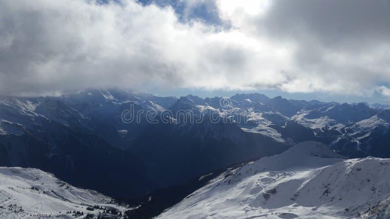 französischer Alpengebirgszug lizenzfreie stockbilder
