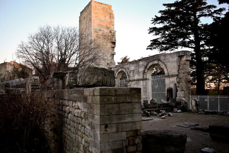 Französischer Aussprache Arles Occitan: Arle in den klassischen und Mistralian-Normen; Arelate im alten Latein stockbilder