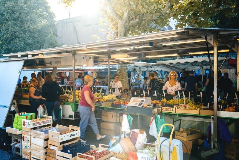 Französischer Lebensmittelmarkt in Frankreich Straßburg lizenzfreies stockfoto