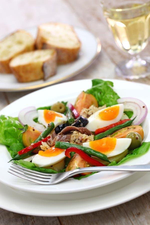 Französischer nicoise Salat stockfotografie
