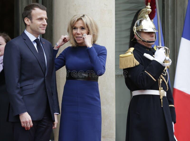 Französischer Präsident Macron und First Lady Brigitte stockfotografie