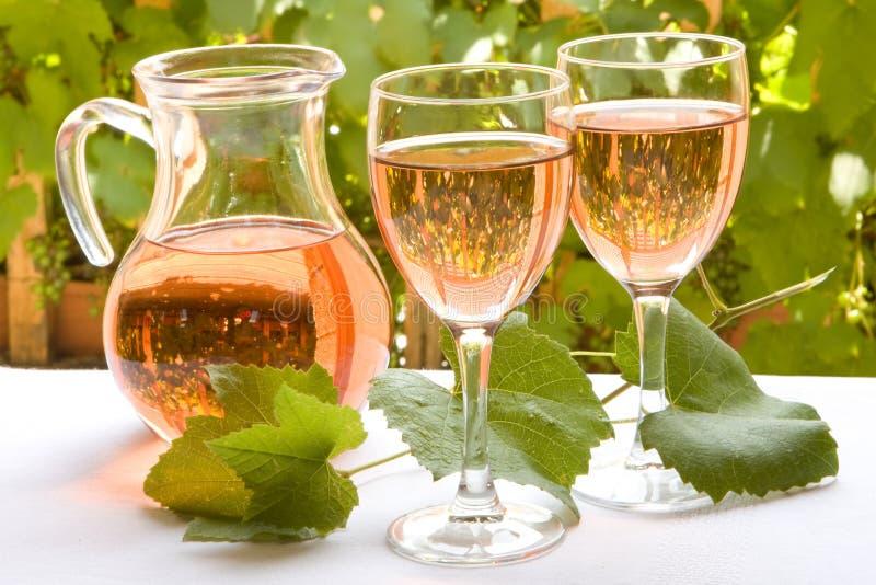 Französischer rosafarbener Wein stockfotos