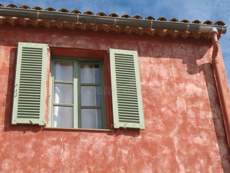 Französisches Riviera-typisches Haus lizenzfreie stockbilder