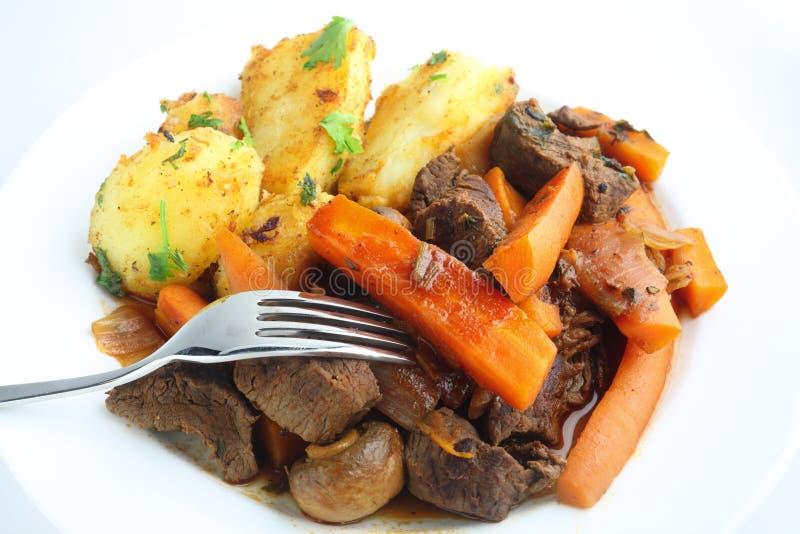 Französisches stule Rindfleisch und Karotteeintopfgericht stockfotografie