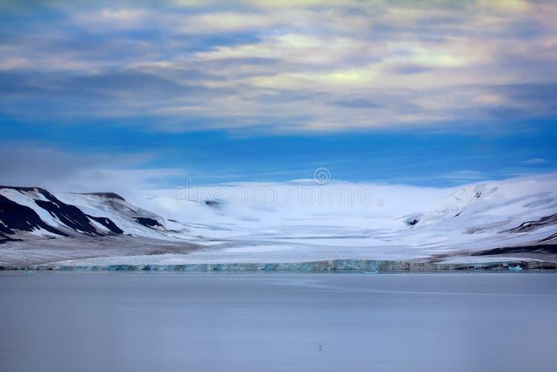 Franz Josef Land - glaciärer fotografering för bildbyråer