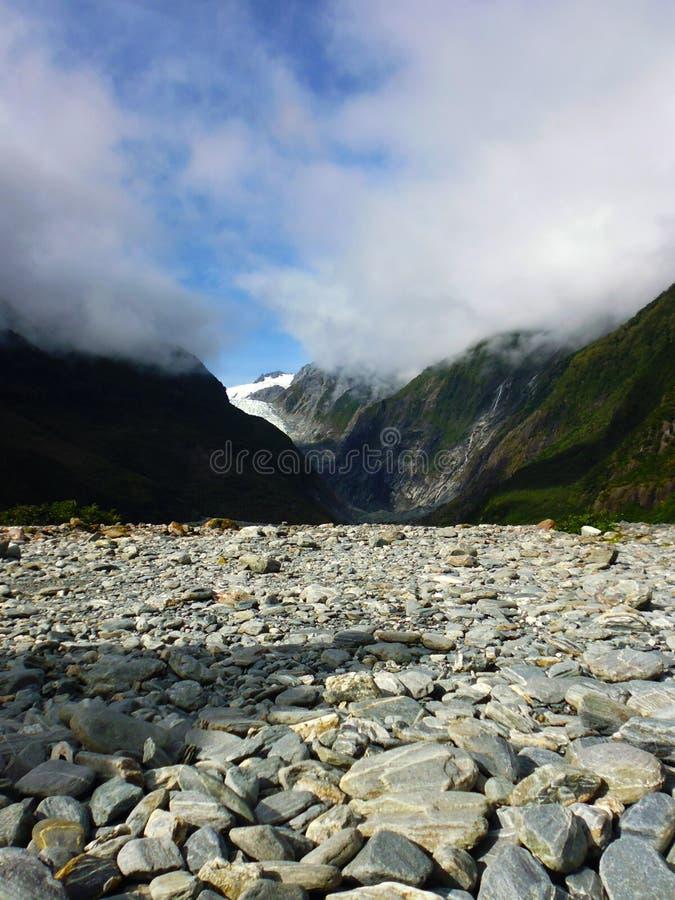 Franz Josef Valley går till glaciären arkivfoto