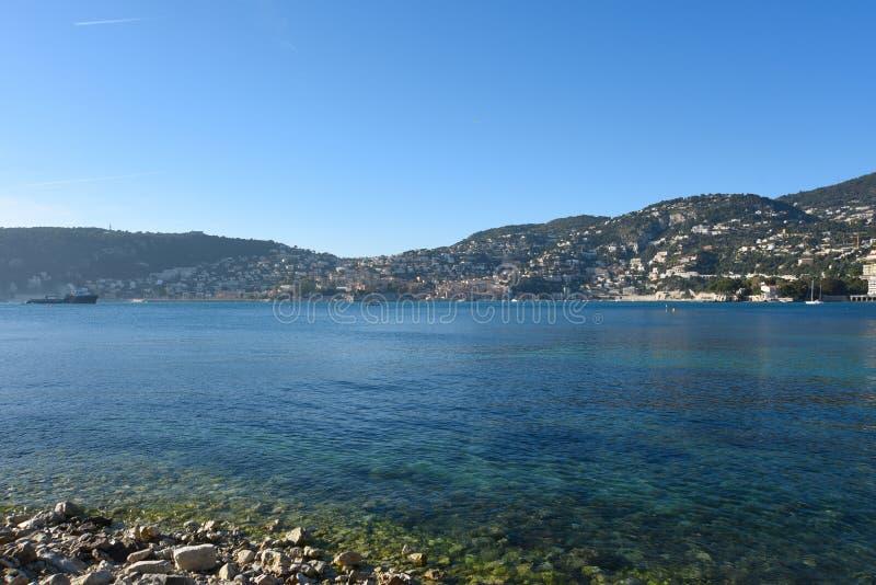 Franz?sisches Riviera Ansicht ?ber Villefranche-sur-Mer, Frankreich stockbilder