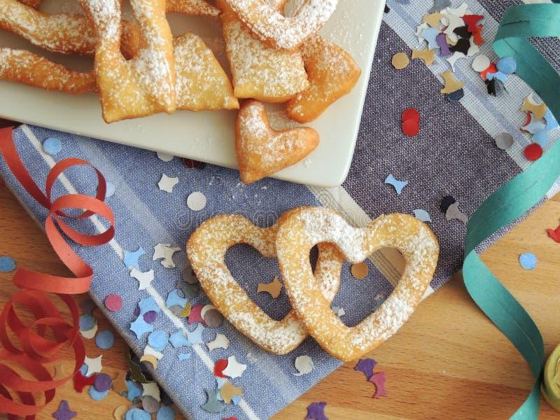 Frappe lub chiacchiere - typowy Włoski domowej roboty ciasto zdjęcie royalty free