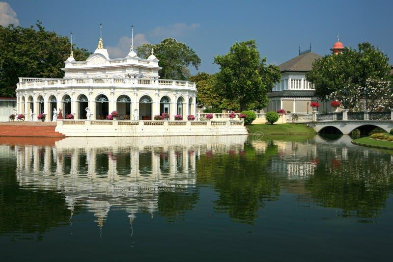 Frappez la douleur Aisawan, palais d'été rayal, Thaïlande photos libres de droits