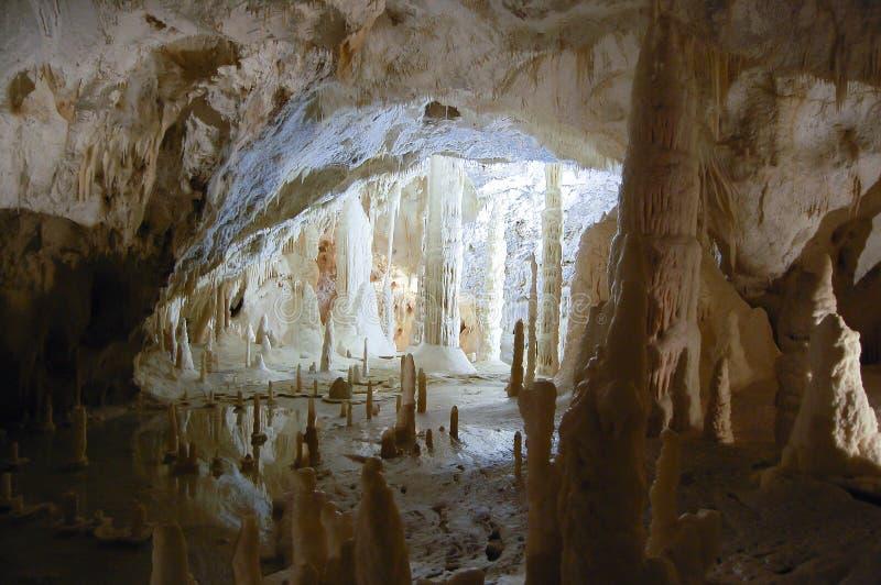 Frasassi grotta - Italien fotografering för bildbyråer