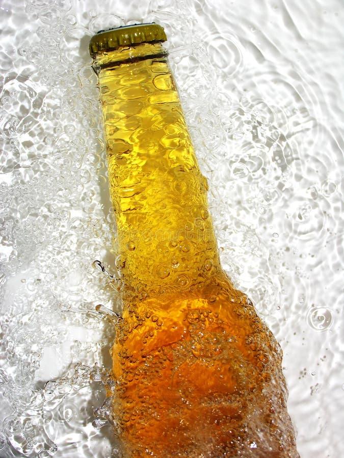 Frasco da cerveja imagens de stock