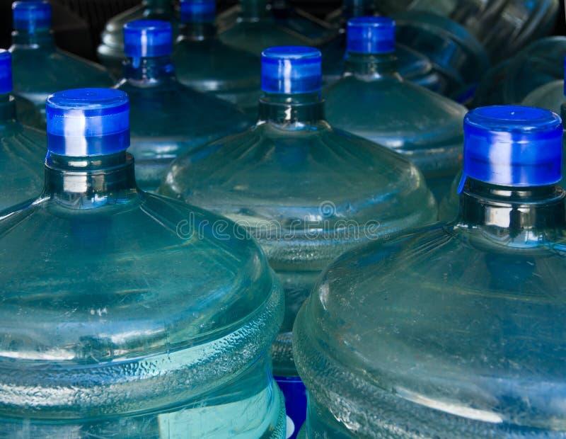 Frasco de agua de la bebida. fotos de archivo libres de regalías