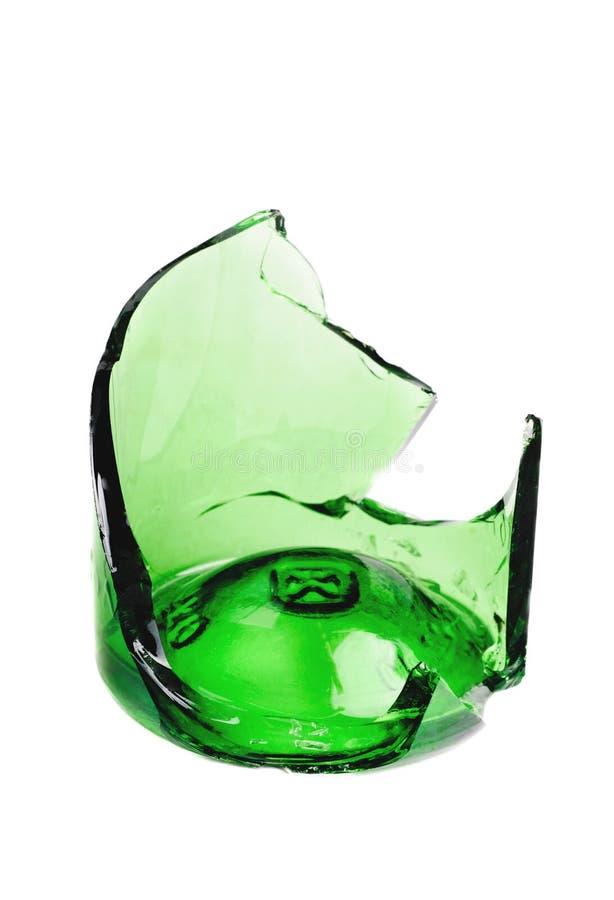 Frasco de cerveja verde quebrado imagem de stock royalty free