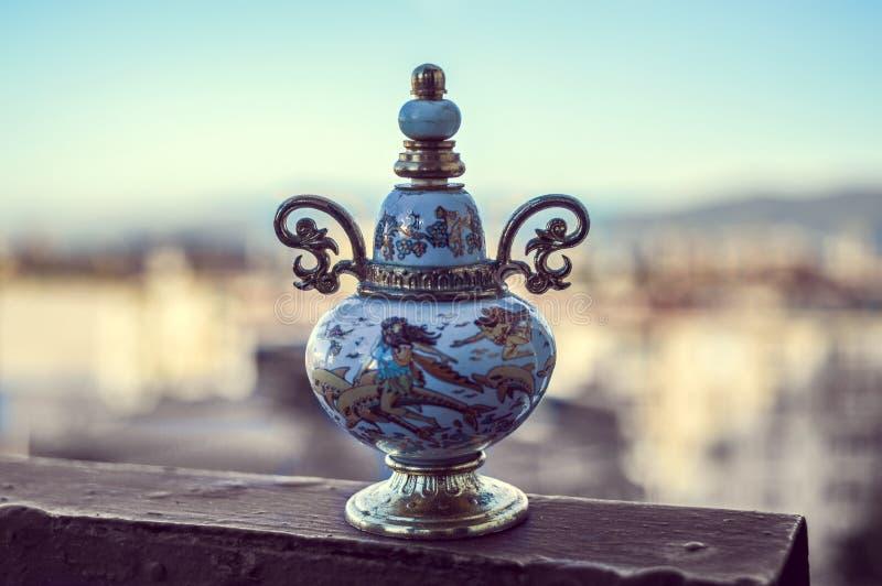 Frasco de perfume do vintage fotografia de stock