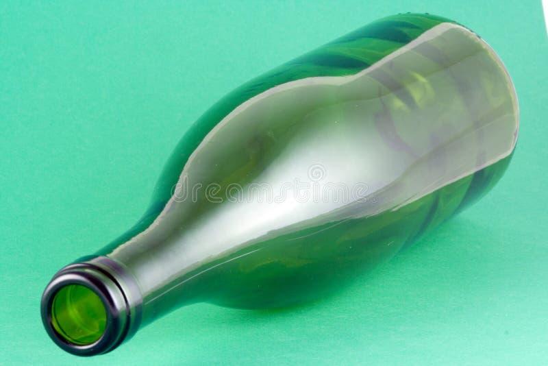 Download Frasco de vinho imagem de stock. Imagem de sumário, forma - 538259