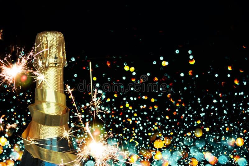 Frasco do champanhe Ano novo feliz fotos de stock