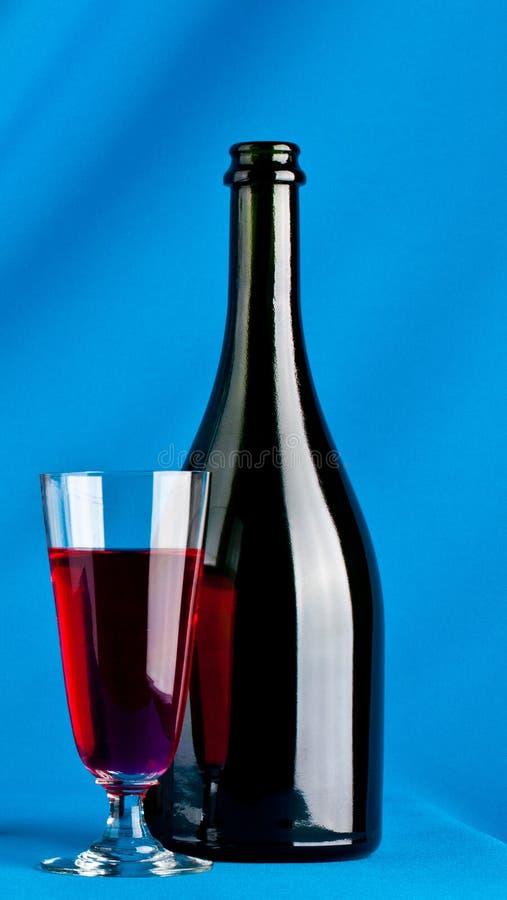 Frasco do vinho e do vidro de vinho fotos de stock