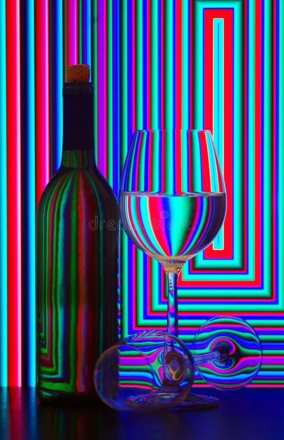 Frasco e vidros de vinho fotos de stock royalty free