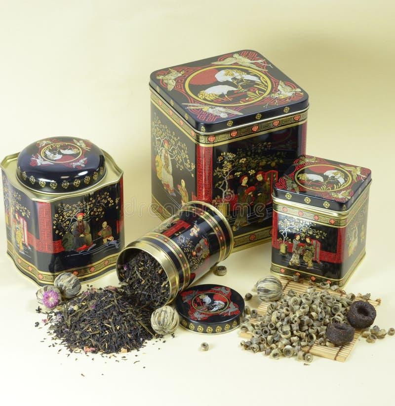 Frascos do chá e do estanho imagem de stock royalty free