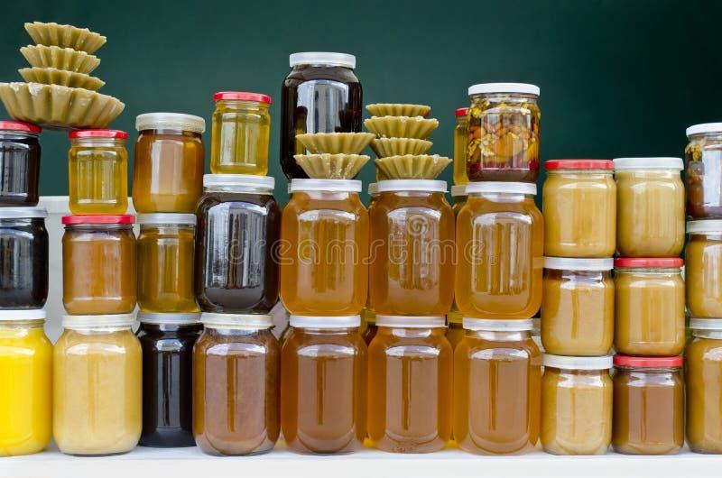 Frascos do mel imagens de stock