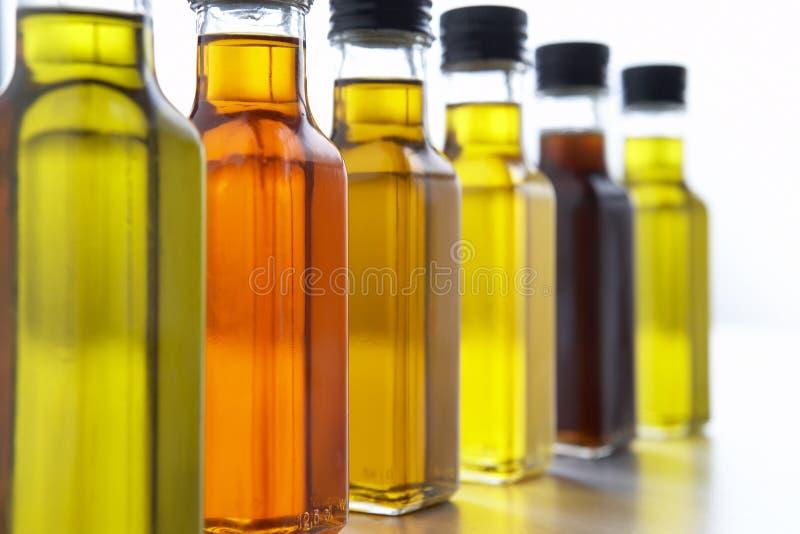 Frascos do petróleo verde-oliva fotografia de stock