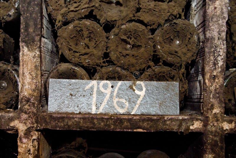 Frascos velhos do vinho foto de stock royalty free