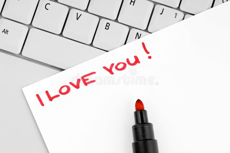 Frase te amo escrita en el papel imagenes de archivo