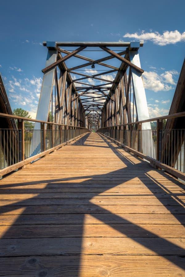 Fraser Bridge histórico en Quesnel, A.C., Canadá imagen de archivo