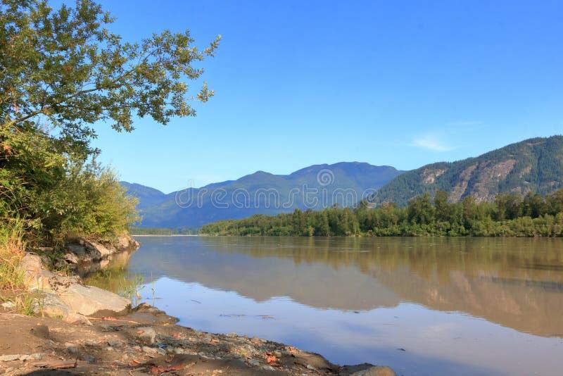 Fraser River escénico adentro A.C., Canadá fotos de archivo