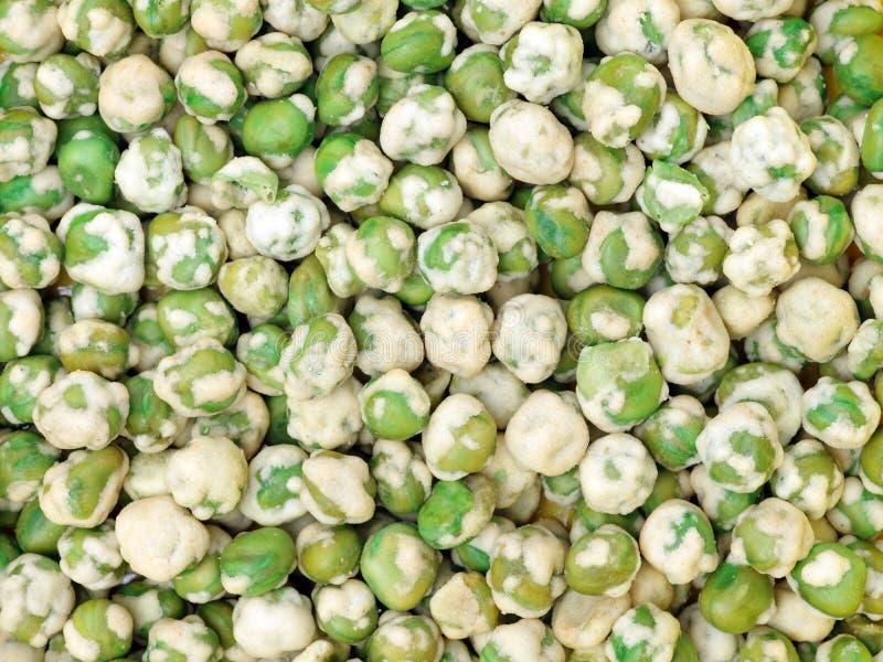 Frasiga gröna ärtor royaltyfri foto