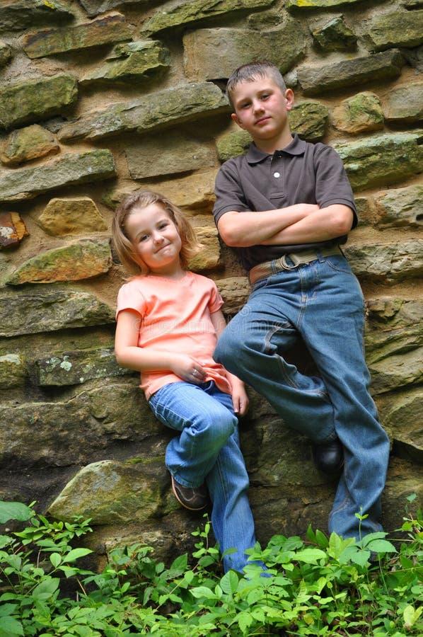 Fratello e sorella immagine stock libera da diritti