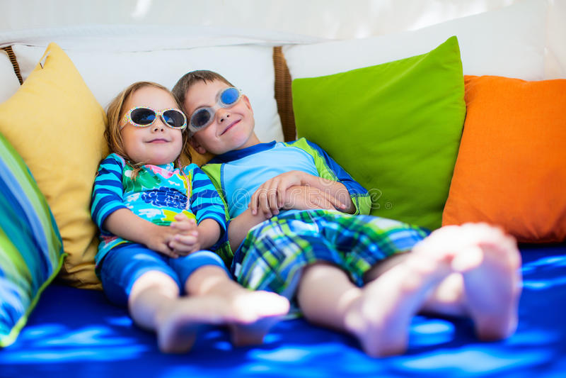Fratello e sorella fotografie stock