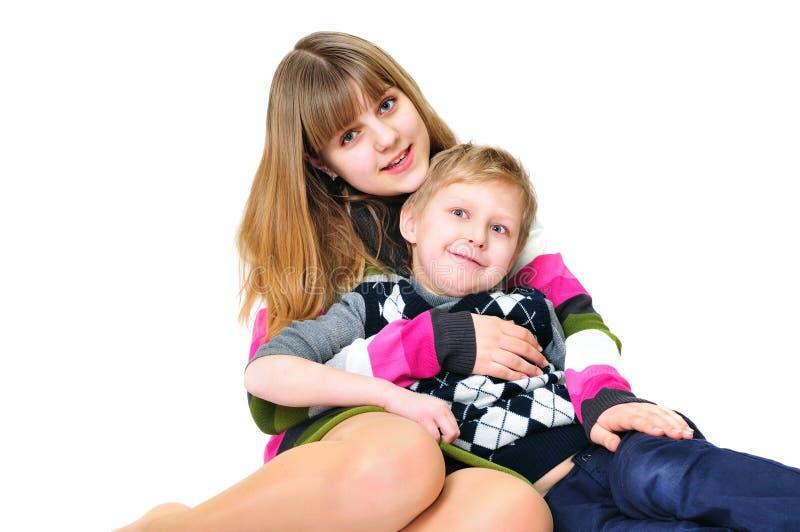 Fratello e sorella divertenti fotografia stock immagine - Fratello e sorella a letto insieme ...