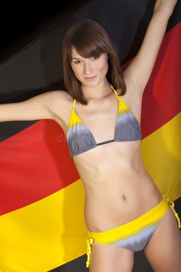 Download Frau über Deutscher Markierungsfahne Stockbild - Bild von lächeln, deutschland: 12201539