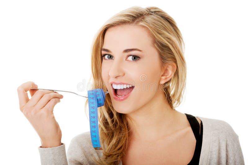 Frau auf Diät stockfotos