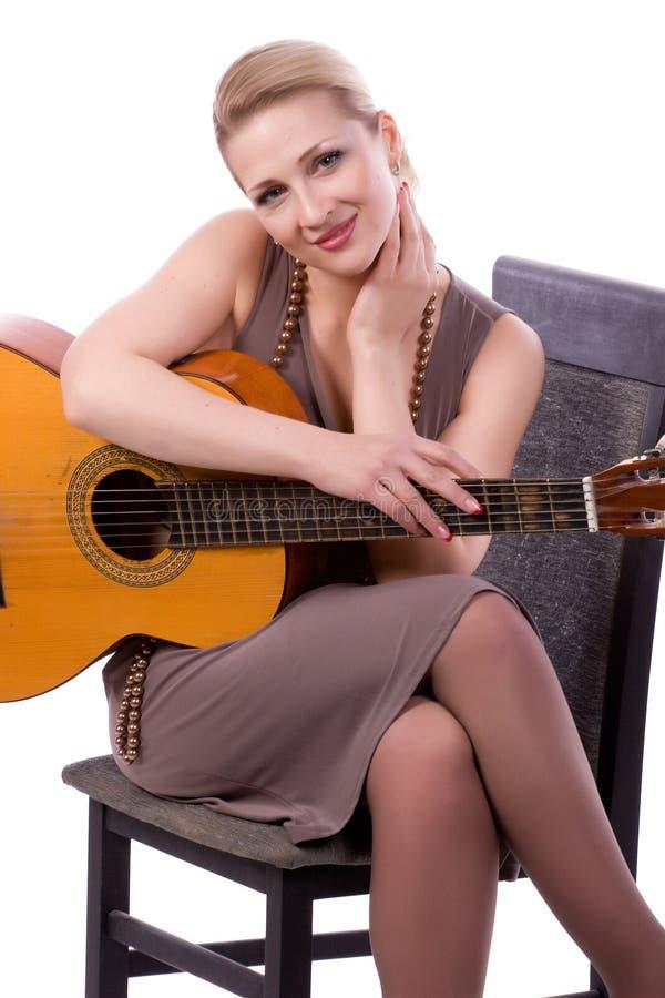 Frau auf einem weißen Hintergrund stockfoto