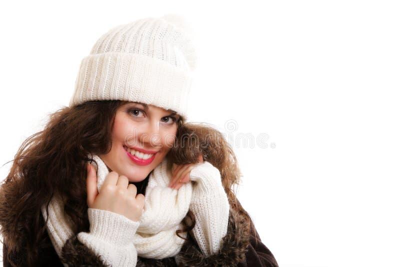 Frau auf warme Kleidungswintermode stockfoto