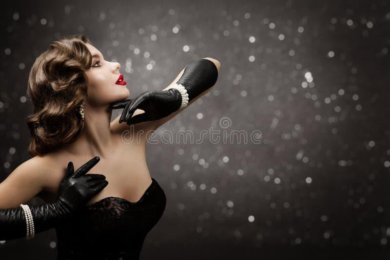 Frau Beauty Retro Haarstil, Modemodell Friseur, elegante, altmodische Lady lizenzfreie stockfotos